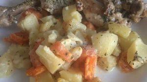 Cuisse de poulet pomme de terre carotte au Cookeo