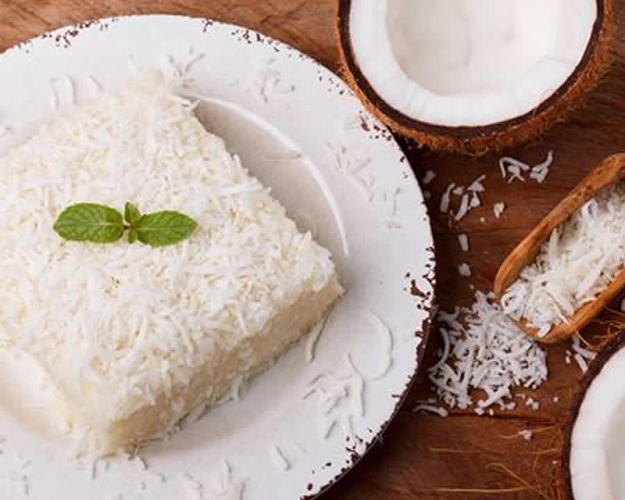 Moelleux au chocolat blanc à la noix de coco au thermomix