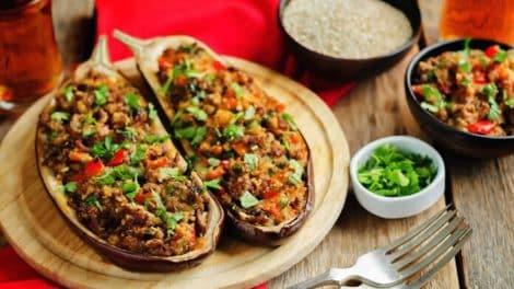 Aubergines farcies à la viande hachée, légères et délicieuses