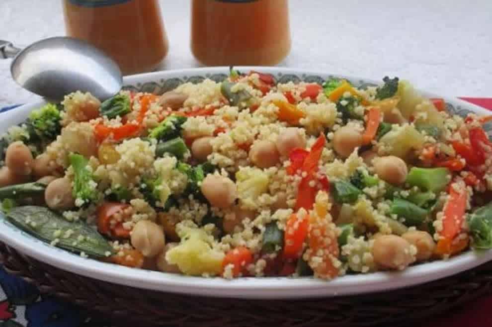 Couscous aux pois chiches et légumes, léger et délicieux