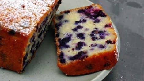 Gâteau léger au yaourt et aux fruits