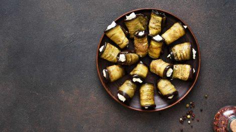 Rouleaux d'aubergines légers au saumon fumé et ricotta