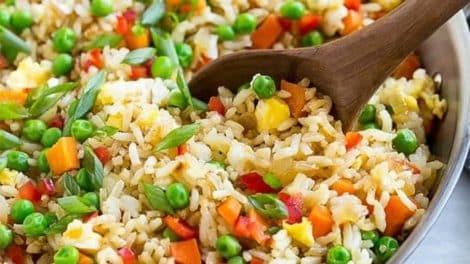 Salade complète de riz thon et légumes, légère et délicieuse