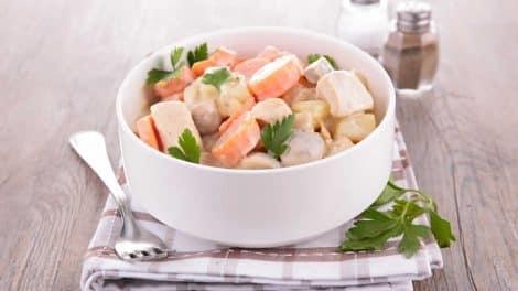 Blanquette de poulet et légumes, légère et délicieuse