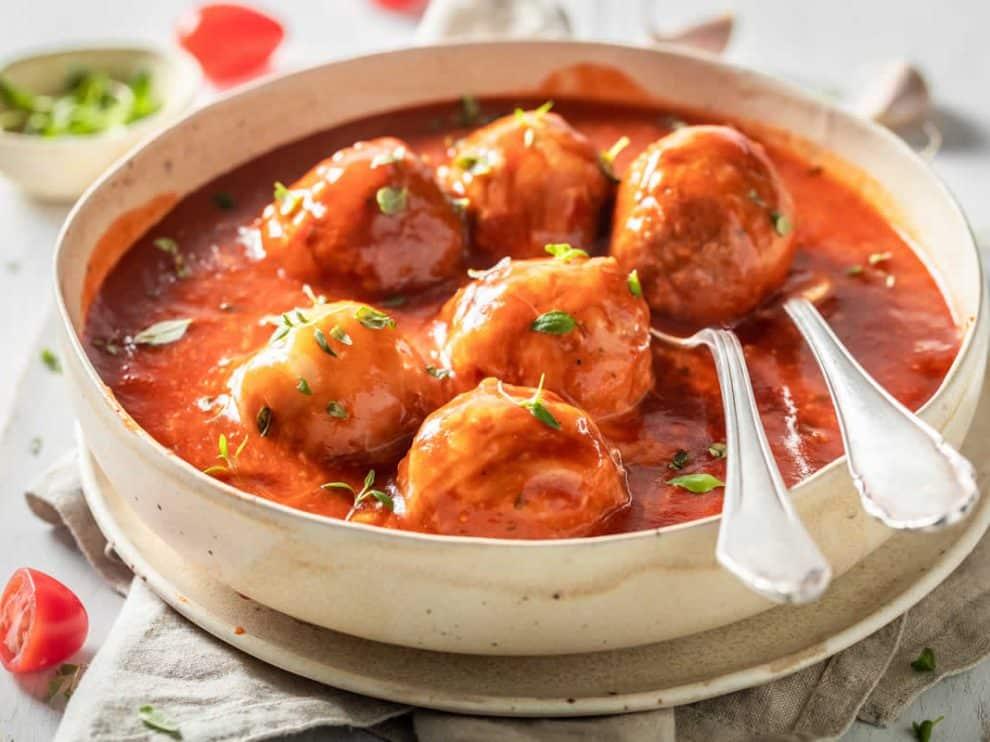 Boulettes de viande à la sauce tomate, légères et savoureuses