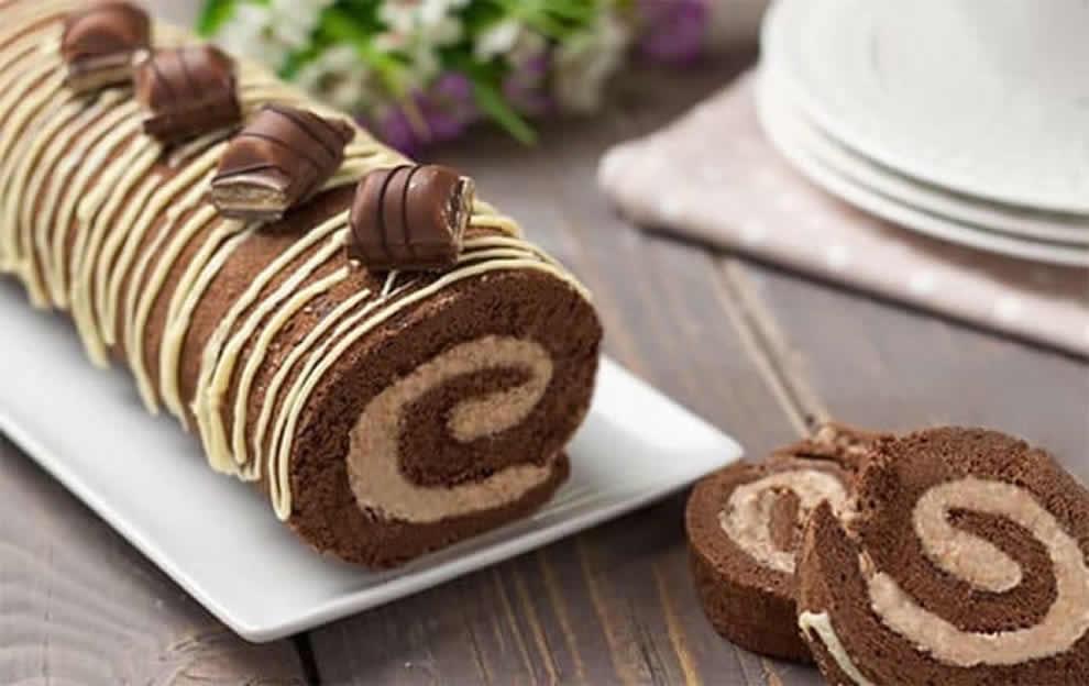 Gâteau roulé au Kinder Bueno au Thermomix