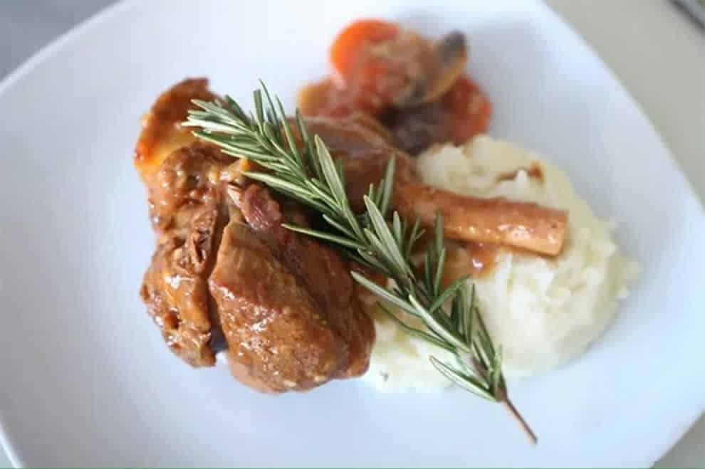 Souris d'agneau aux oignons et champignons, recette légère