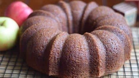 Gâteau Léger au yaourt et compote de pommes