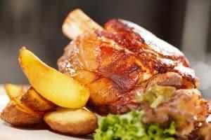Jarret de porc rôti